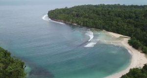 Pesona Pantai Wari, Pantai Cantik & Spot Snorkeling Favorit di Biak Numfor