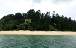 Pulau Um, Pesona Pulau Mungil Eksotis Nan Memesona di Sorong
