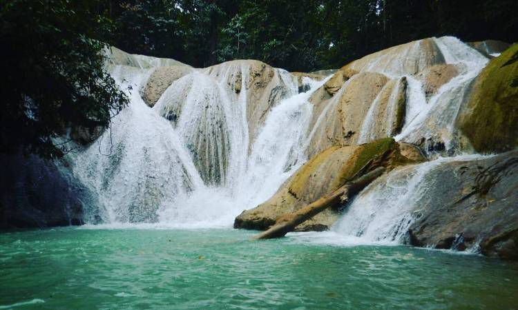 Air Terjun Tetewatu