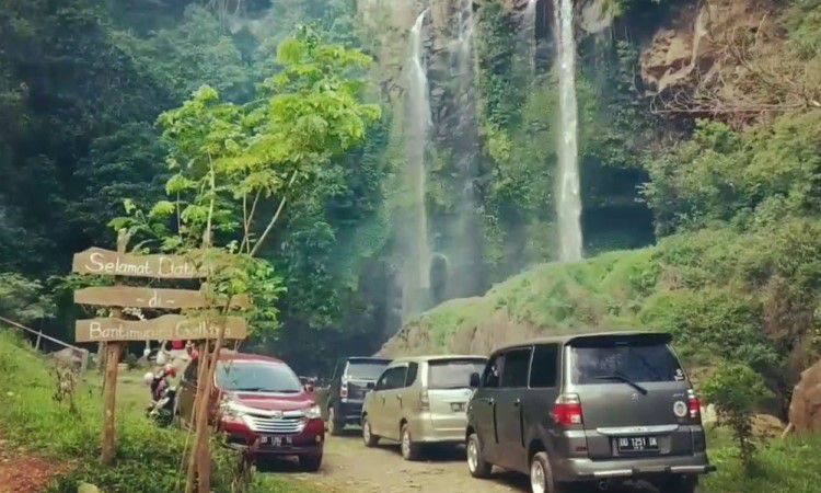 Alamat Air Terjun Bantimurungna Gallang