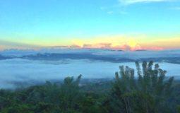 Bukit Arang Lonuo, Spot Camping Seru dengan Pemandangan Alam yang Unik