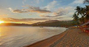 Pantai Botutonuo, Menikmati Pemandangan Pantai & Panorama Sunset yang Memukau